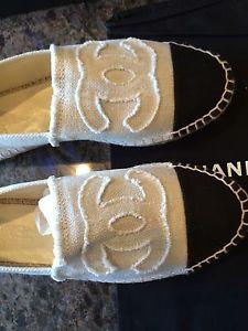 Bnib chanel espadrilles cap toe in canvas beige black cc logo sz 38 us 8