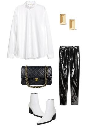 mode d'amour blogger shirt t-shirt pants shoes jewels bag white shirt chanel bag chanel black pants white boots boots