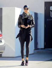 jacket,model off-duty,streetstyle,rosie huntington-whiteley,sneakers,scarf,top