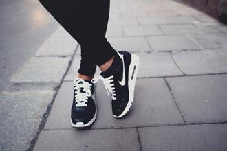 nike black nike low top sneakers air max black sneakers shoes nike air black nike shoes sport wear nike running shoes blackandwhiteshoes cardigan white