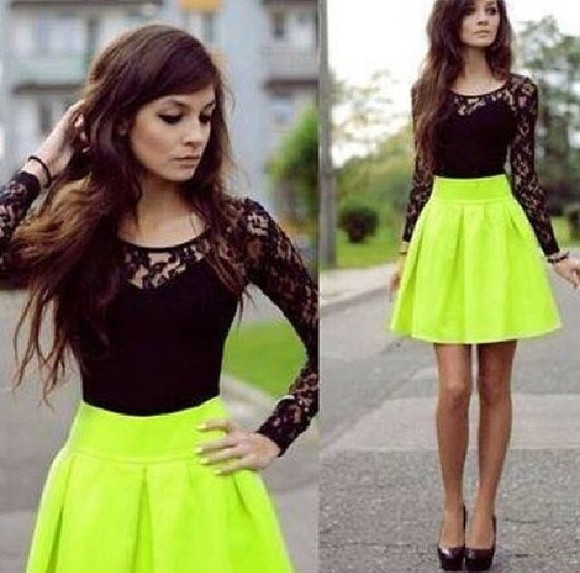 shirt black t-shirt skirt green, green skirt, black top