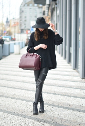 vogue haus blogger purse leather pants black sweater oversized sweater