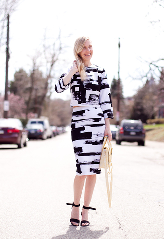 cocorosa blogger black sandals two-piece black and white pencil skirt