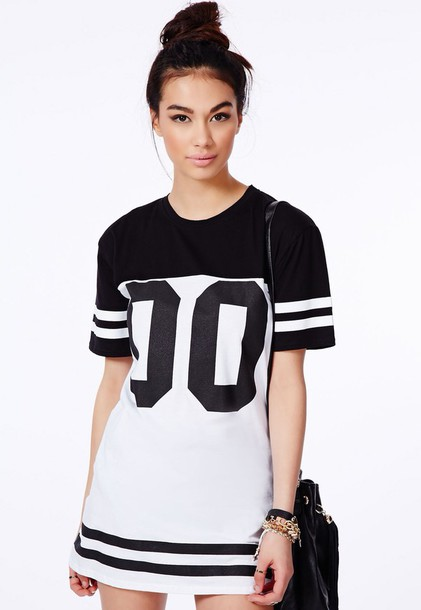 dress t-shirt dress baseball shirt t-shirt dress causal dress sporty black and white bag t-shirt t-shirt dress long dress fashionista