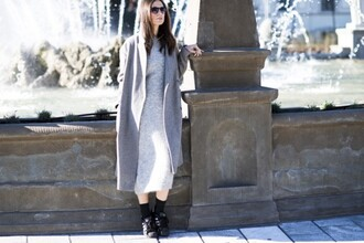 my free choice blogger grey dress knitted dress grey coat