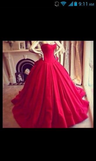 dress red dress ball gown dress ball gown puffy heart neckline heart shape sweetheart dresses sweetheart neckline prom dress red prom dress