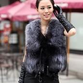 jacket,fur vest,vest,black,faux fox,faux fur jacket,women coat,overcoat,grey fur vest,gloves,leather gloves
