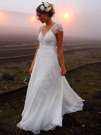dress wedding dress wedding wedding clothes bride white white dress lace lace dress floor length dress princess wedding dresses pretty chic girl tulle dress