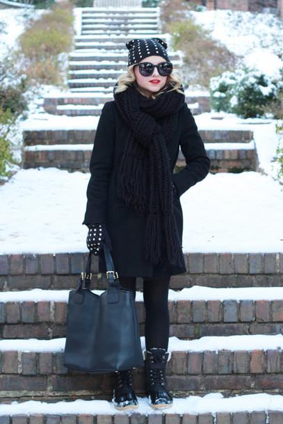 poor little it girl blogger coat shoes tights hat gloves bag