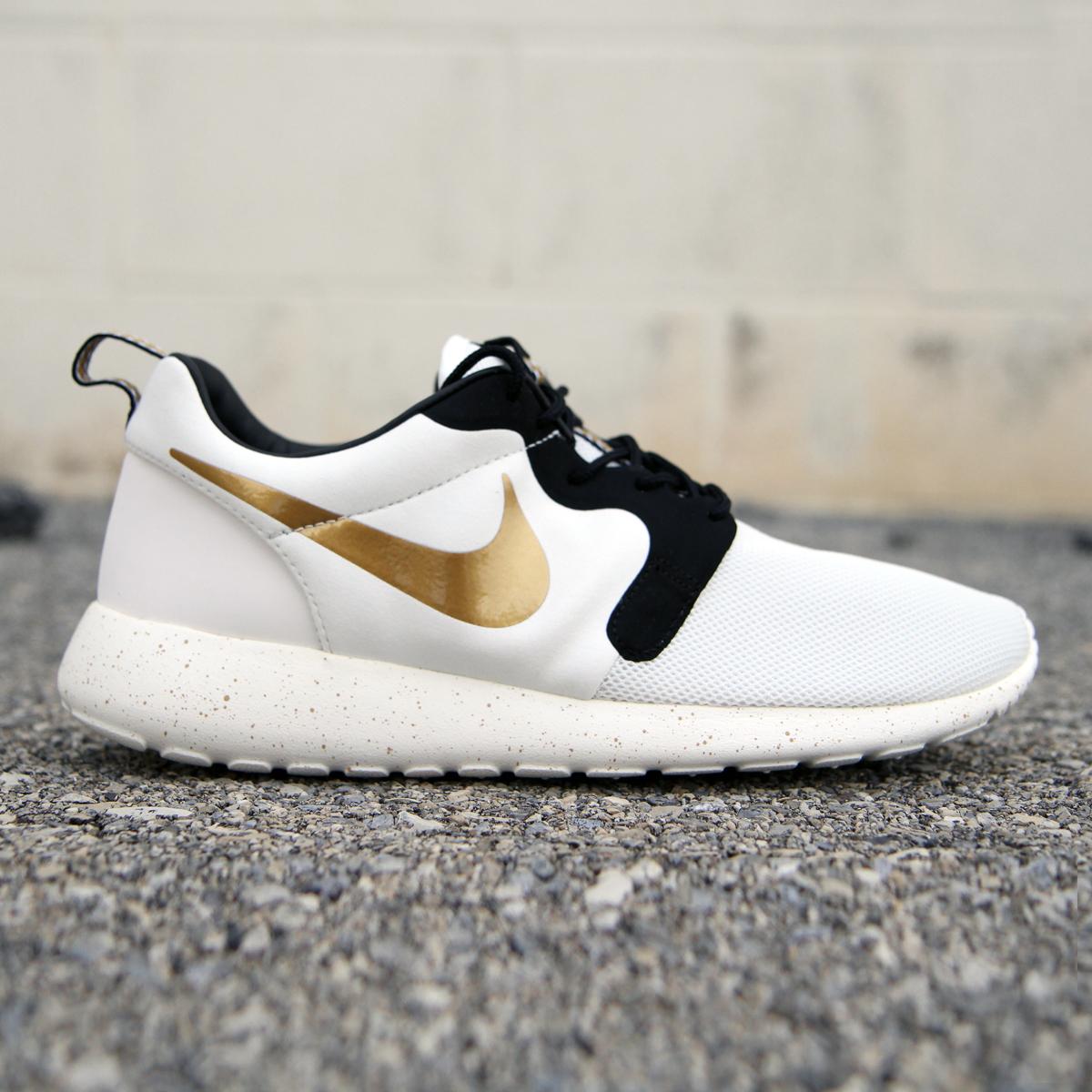 Nike Roshe Run Hyperfuse Premium (Trophy Pack)