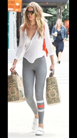 leggings grey leggings shirt gigi hadid workout chilling white