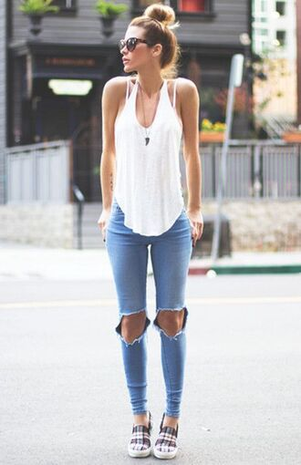 jeans white tank top distressed denim jeans checkered flats blogger sunglasses