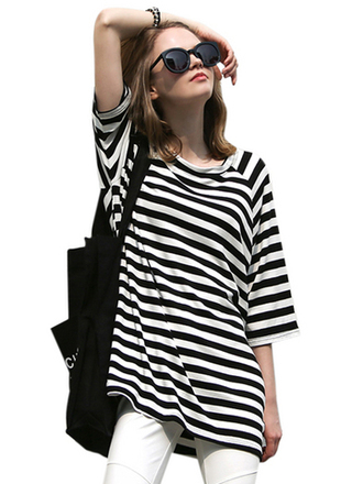 t-shirt stripes cool girly trendy fashion outdoors stylish black and white comfy comfortable outfit