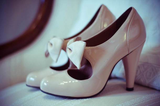 Shoes: kitten heel, nude, high heels, bows, bow, nude high heels ...