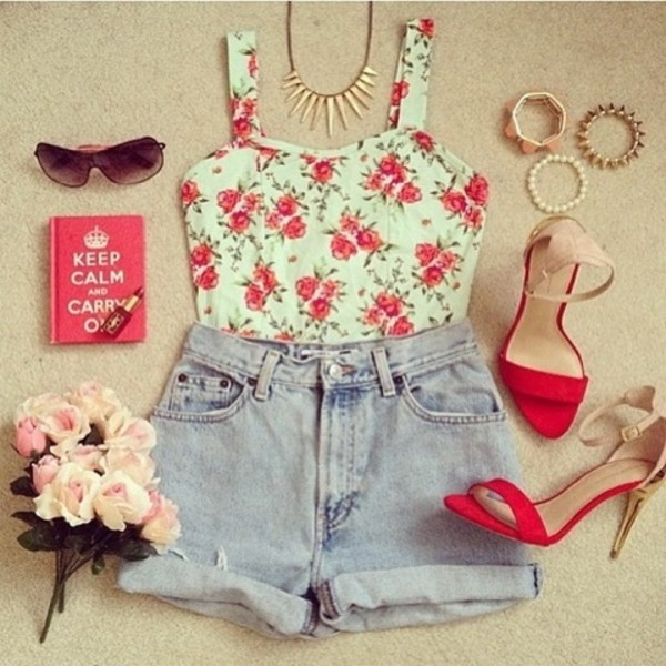 shirt crop tops bracelets shorts flowers book shoes red high heels floral tank top flowers beige