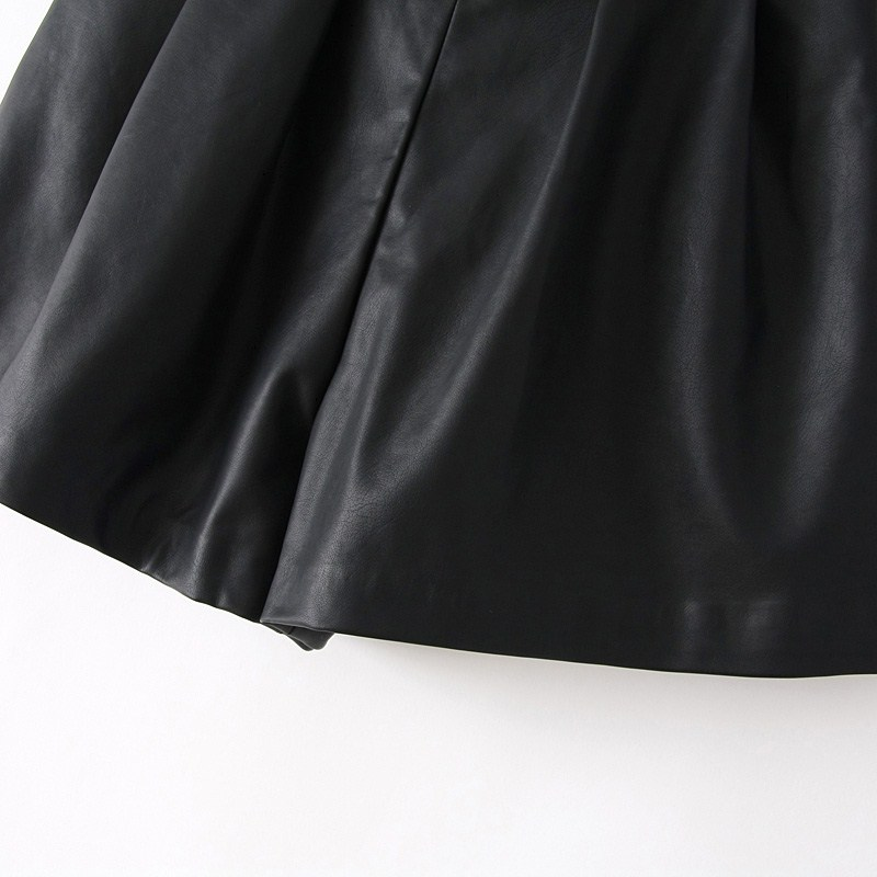 Black Elastic Waist Pockets PU Shorts - Sheinside.com