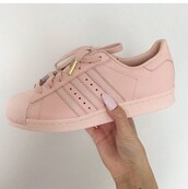 shoes,adidas,adidas superstars,adidas originals,nude,tenis,sneakers,baby pink,pink,rose,rose gold,gold,love,adidas shoes