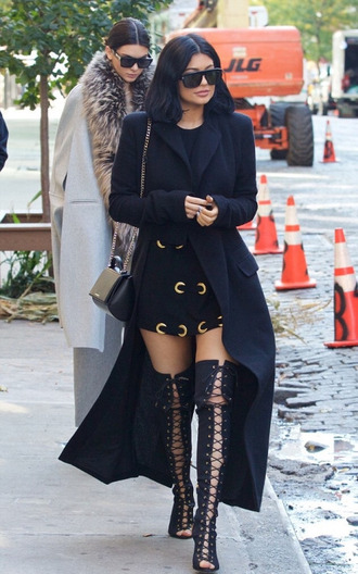 shoes coat top kylie jenner fall outfits kendall jenner kendall and kylie jenner dress tunic dress jacket black jacket coat trench black black coat kardashians all black everything long coat sunglasses