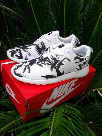 shoes nike nike shoes roshe runs nike roshe run palm tree print nike roshe run palm trees low top sneakers
