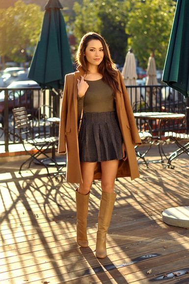 coat blogger hapa time top knee high boots pleated skirt