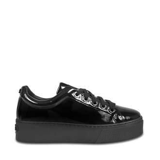 sneakers lace shoes