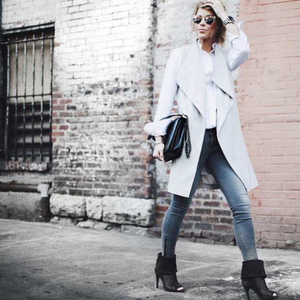 happily grey blogger grey coat skinny jeans grey jeans peep toe boots white shirt