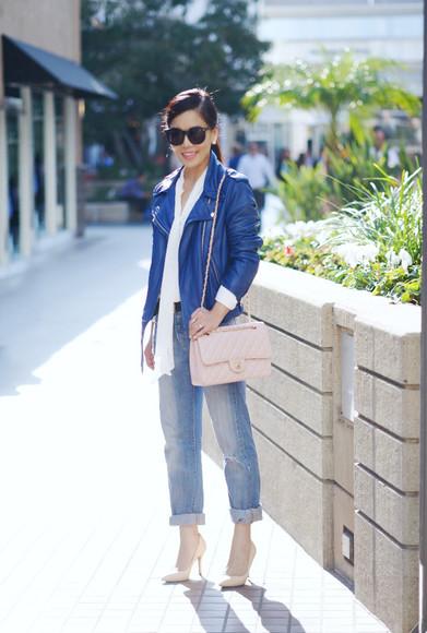 jacket perfecto blogger bag hallie daily jeans t-shirt Belt jewels sunglasses blue