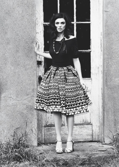 1950s dress vintage bold prints wild classic bombshell fashion skirt