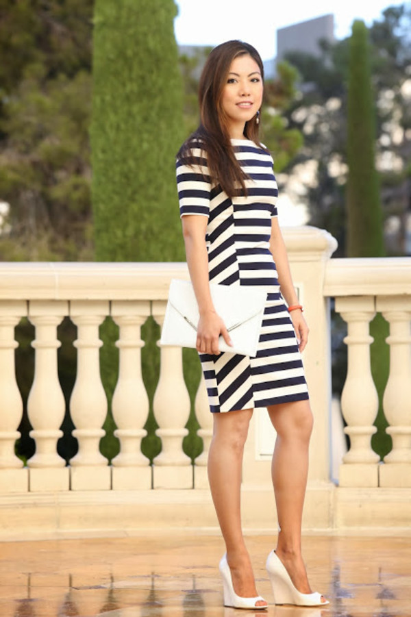 wearing fashion fluently dress shoes bag jewels