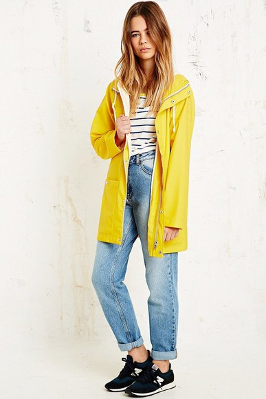 coat yellow trench coat yellow jacket shoes new balance new balance sneakers new balance blue new balances raincoat mom jeans boyfriend jeans stripes