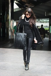 kryzuy,jacket,bag,sunglasses,pants,shoes,jewels,susanna boots,chloe,buckle boots,buckles,ankle boots,boots,black boots,leather pants,black leather pants,top,black top,fur coat,all black everything,fringed bag,fringes,black bag