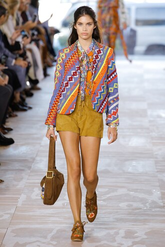 shorts blazer sandals tory burch ny fashion week 2016 runway model sara sampaio spring outfits