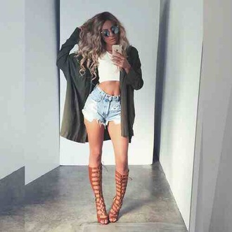 shorts top cardigan shoes