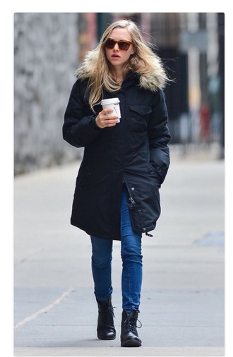 coat amanda seyfried