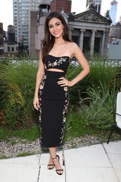 dress,strapless,midi dress,victoria justice,sandals,sandal heels,crop tops,black skirt,flowers