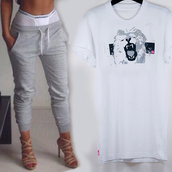 t-shirt,white tshirt lion,lion tshirt,white lion tshirt,14,pink 14,light grey pant,loose look,rolled sleeves,roll-up,sweatpants,sexy,casual,crewneck,loose,underwear,dope,streetwear,pants