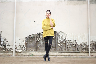 kris chérie blogger sweater jeans shoes