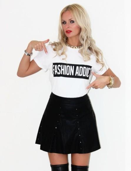 t-shirt printed tee fashion blogger do it better fashion addict shirt blogger cool printed tshirt fashion look blogger trend bloggers style
