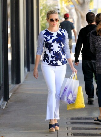 top reese witherspoon jeans white sandals wedges spring outfits white jeans shoes