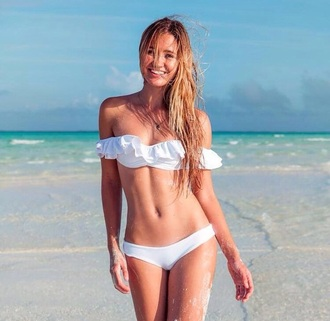 swimwear bahamagirls fashion style trendy trendy swimwear trendy fashion girly girly wishlist bikini bikini top bikini bottoms tumblr bikini fringe bikini floral bikini boho bikini white bikini white swimwear smile bahamas