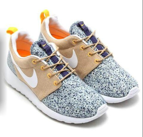 shoes nike roshe run liberty blouse
