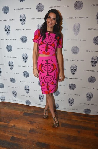 skirt angie harmon pencil skirt pink top crop tops shoes sandals