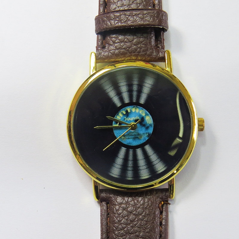 Vintage Vinyl Player Watch , Vintage Style Leather Watch, Turntable, Vinyl Record, Unisex Watch, Boyfriend Watch, Men's Watch, Ladies Watch