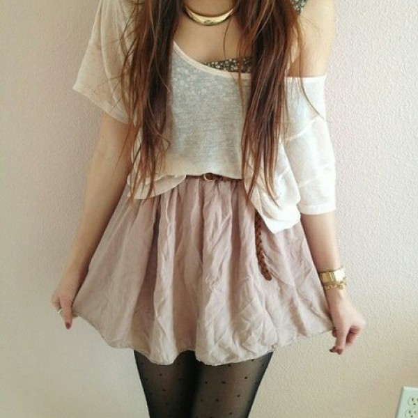 t-shirt blanc loose tshirt tights jewels belt