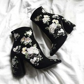 shoes,black,white,flowers,velvet,heels,boots,ankle boots,embroidered,floral,booties