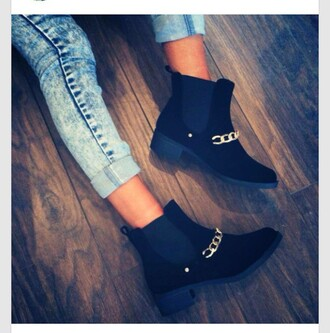 shoes boots chain fashionista stylish trendy on trend heel