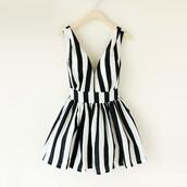 dress,striped dress,black and white dress,black and white,mini dress,summer dress,stripes