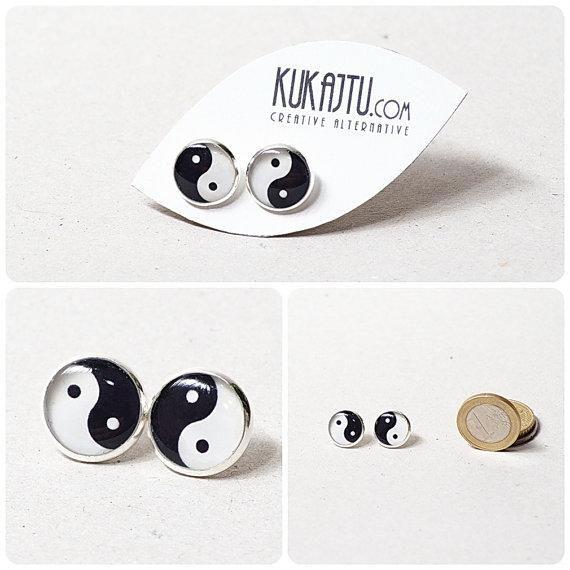 Yin Yang Stud Ohrringe Yin Yang Schmuck schwarzweiß von KUKAJTUcom