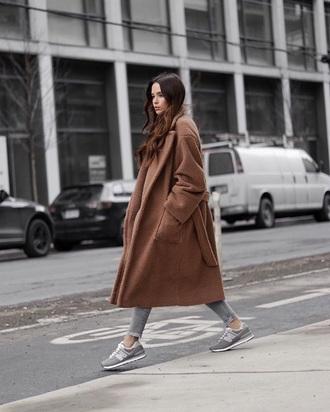 shoes grey sneakers pants grey pants coat brown coat oversized coat oversized sneakers new balance