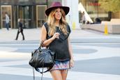 skirt,embroidered denim skirt,embroidered skirt,mini skirt,denim skirt,blue skirt,top,black top,bag,black bag,handbag,hat,burgundy hat,summer outfits